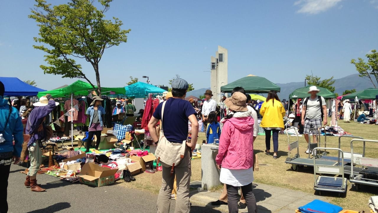 立川サンサンロードでフリーマーケット村開催!
